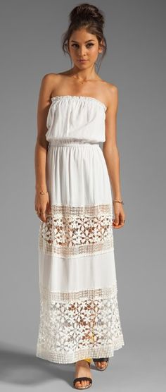 relaxed white maxi-perfect with turquoise jewelry and sandals!