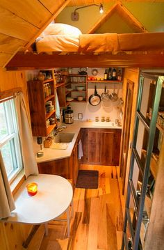 Travis-Brittany-Tiny-204-Sq-Ft-Home-008