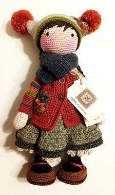 How To Crochet an Amigurumi Rabbit - Crochet Ideas Crochet Doll Clothes, Knitted Dolls, Crochet Dolls, Crochet Baby, Knit Crochet, Crochet Amigurumi, Crochet Doll Pattern, Amigurumi Doll, Bricolage