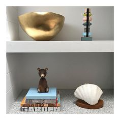 b e s p o k e  s h e l v i n g  created using @csrgyprock by @customconstruction  @ninamayainteriors  #petalumahouseau #home @maxco_ . . . . . #bookshelf #shelving #livingroom #australianarchitecture #architecture #architexture #interiordesign #interior #design #kitchen #architecturelovers #abstract #lines #instagood #beautiful #maxco #bellamumma #home #style