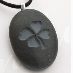 Four-leaf clover necklace - Tiny PebbleGlyph (C) necklace by sjengraving-pebbleglyph