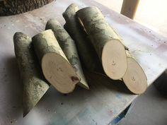 Appendiabiti in legno. Progetto Green, scuola materna, scuola dadà, infanzia, bambino, asilo nido, children design, design for kids, artigianato. E Design, Wooden Toys, Wooden Toy Plans, Wood Toys, Woodworking Toys