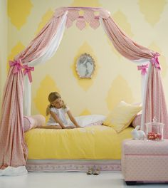 I'm so doing this with our twin four poster bed for Carolyn's big girl room!