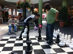 San Diego, the kids playing chess outside mall