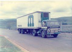 Kliknij na zdjęciu by zobaczyć wersję w pełnej rozdzielczości. Old Lorries, Volvo Trucks, Tow Truck, Commercial Vehicle, Classic Trucks, Cool Trucks, Cool Photos, Vehicles, Axe