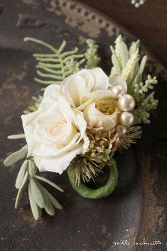 ホワイトローズクリームグリーンナチュラルコサージュ Colorful Flowers, Succulents, Handmade Jewelry, Hair Accessories, Bridal, Green, Plants, Wedding, Corsages