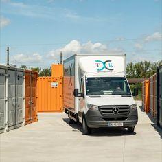 Egal ob du mit einem Anhänger, Kleinbus oder einem LKW deine Lagerware vorbeibringst - MO.SPACE SELFSTORAGE hat den nötigen Platz dazu. Jetzt bequem online einen der 4 Lagerraum-Größen sichern, kontaktlos einlagern und 1 Monat GRATIS-MIETE erhalten. www.mospace.at/shop Bei uns gibt es hochwertige Lagerräume mit einem TOP-Service. Ohne Mindestmiete / keine Mindestdauer 1 Monat, Shops, Trucks, Vehicles, Shopping, Don't Care, Tents, Retail, Truck