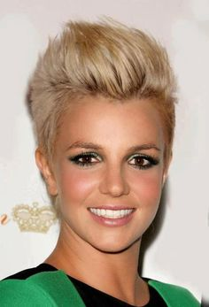 Britney Spears, this is photoshopped but i think it looks really good on her!