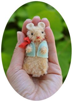 Bitty mohair mouse
