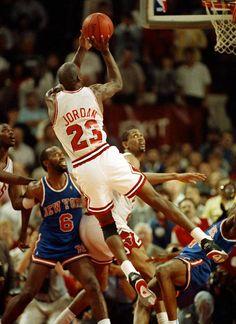 Michael Jordan fades away in Air Jordan IV