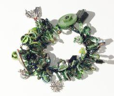 New Zealand themed Christmas bracelet, with paua and pounamu.
