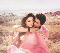 Shahrukh Khan and Deepika Padukone - Chennai Express Bollywood Stars, Bollywood Couples, Bollywood Cinema, Bollywood Fashion, Bollywood Actress, Bollywood Celebrities, Deepika Padukone, Shraddha Kapoor, Shahrukh Khan And Kajol
