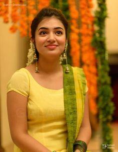 South Indian Actress PATANJALI SAUNDARYA BODY LOTION 200ML PHOTO GALLERY  | PATANJALIAYURVED.NET  #EDUCRATSWEB 2020-07-04 patanjaliayurved.net https://www.patanjaliayurved.net/assets/product_images/400x500/1571137562400x500.jpg