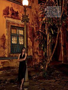 aline-weber-amanda-wellsh-by-giampaolo-sgura-for-vogue-brazil-november-2014-2.png