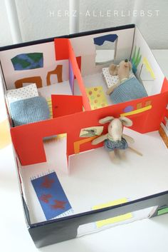 DIY shoebox Mouse House