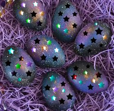 The perfect Easter HappyEaster EasterEggs Animated GIF for your conversation. Discover and Share the best GIFs on Tenor. Happy Easter Gif, Happy Easter Quotes, Holiday Gif, Holiday Decor, Ostern Wallpaper, Easter Pictures, Diy Ostern, Gifs, Easter Crafts
