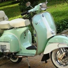 Mint Vespa. I need this in my life