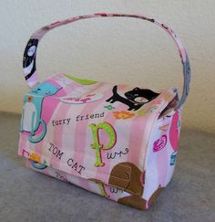Insulated Lunch Bag  Kitties with Pink Stripes by BonniesSewCrazy, $8.00