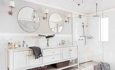 This beautiful home shows how to decorate your home in the Hamptons style with a classic Hamptons kitchen and living room filled with coastal decorating ideas Best Bathroom Designs, Bathroom Trends, Budget Bathroom, Bathroom Interior, Small Bathroom, Bathroom Ideas, Modern Bathroom, Master Bathroom, Design Bathroom