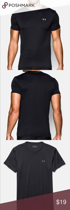 Men's  Under Armour Heat Gear Compression Shirt This shirt is in great condition, only worn a few times! Cleaned very thoroughly. There is a very tiny pin sized hole on the right shoulder near the seam but it's barely noticeable. ✨MAKE AN OFFER✨ Under Armour Shirts