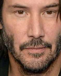Keanuquotes — angelofberlin2000: KNOCK KNOCK blu-ray bonus... Keanu Reeves Family, Keanu Reeves House, Keanu Reeves Quotes, Keanu Reeves John Wick, Keanu Charles Reeves, Outfits Casual, Mode Outfits, Keanu Reaves, Blockbuster Film