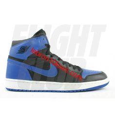 1c29ebb428a47a 136066 041 air jordan 1 retro black royal blue