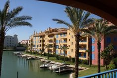 Bright and airy apartment for rent in Sotogrande Puerto