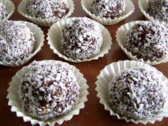 Reteta de acasa: Bombe Romanian Desserts, Romanian Food, Romanian Recipes, Cookie Recipes, Dessert Recipes, Russian Cakes, Dessert Bread, Sweet Desserts, Coco
