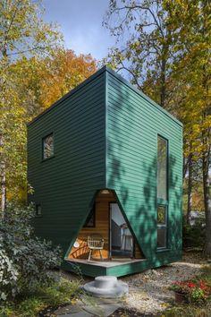 Little Green Cabin: Modern Guest House