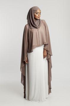 Abaya Style 493144227941180915 - Source by nagwamursal Hijab Evening Dress, Hijab Dress, Hijab Outfit, Modest Fashion Hijab, Abaya Fashion, Fashion Outfits, Fashion Ideas, Fashion Tips, Muslim Women Fashion