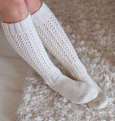 Life with Mari: Alle polven mittaiset Lise-Loten sukat Art Boots, Girls Socks, Knee High Socks, Knit Or Crochet, Knitting Socks, Leg Warmers, Knitting Patterns, Slippers, Wool