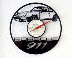 Langspielplatte, lasergestanzt mit individuellem Motiv und Uhrwerk. Was kann persönlicher und ausgefallener sein? - aktueller Aktionspreis: 39,- EUR auf myLASERart-shop.de