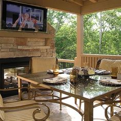 Bringing the indoors, outdoors! #hunkeconstruction #hunkeprojects #outdoors #dreamspace #design #deck