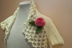 Knitted  IVORY shrugpink flower brooch by selecta6 on Etsy