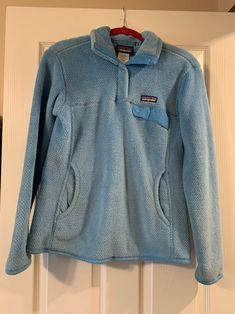 Patagonia Pullover Size medium Color: light blue Visit my page for more items! Including American Eagle, Lily Pulitzer, and Francesca's, Abercrombie and finch, forever 21, Chelsea and violet, Gianni Bini Patagonia Fleece Jacket, Patagonia Pullover, Denim Button Up, Button Up Shirts, Gianni Bini, Lily Pulitzer, Chelsea, Light Blue, Forever 21
