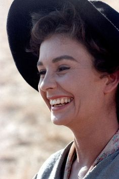 Jean Simmons in The Big Country Hollywood Waves, Old Hollywood Movies, Hollywood Stars, Hollywood Actresses, Classic Hollywood, Actors & Actresses, Stewart Granger, Big Country Movie, Old Film Stars