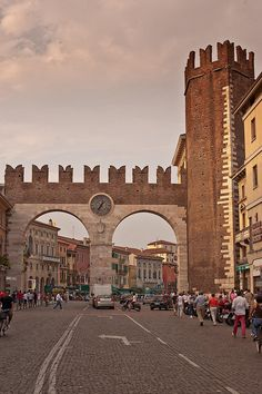 Verona, Italy truly feels like walking into a picture! You can end your bicycle touring journey here after riding along the Etsch Radweg (Bike route) which starts in Landeck, Austria.  Amazing scenery along the way. #biketouring