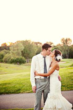 Stoneridge Golf Course // Photo by Sara C. #minneapolisweddingphotographer #weddingphotography