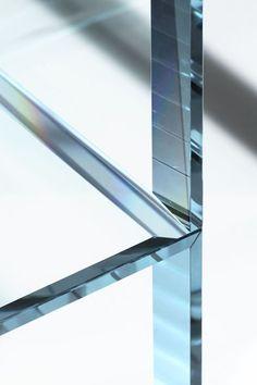 GLAS ITALIA グラスイタリア 吉岡徳仁デザイン「PRISM glass chair」