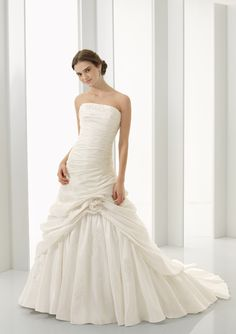 Stunning Pure White Strapless Flower Side-Draped Ruched Teffeta Wedding Chapel Train Dress for Brides