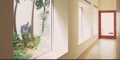 Bei Fensterbänken ist es wichtig, auf das richtige Material zu setzen, denn nicht jedes Material lässt sich gut bearbeiten. Auch steht nicht jedes Material in der erwünschten Farbe zur Verfügung. Silestone ist allerdings anders, weil es das Material der neuen Generation ist, es lässt sich individuell anpassen – sowohl in seiner Form als auch in der Farbgebung. Außerdem haben Silestone Fensterbänke eine hohe Aufprallresistenz.
