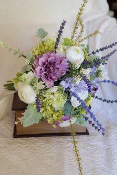 Rustic wedding bouquet*ラベンダーとホワイトのナチュラルなクラッチブーケ | ハンドメイドマーケット minne