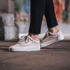 Vans Old Skool - Whispering Pink/Blanc De Blanc available now Zapatos Shoes, Shoes Sneakers, Pink Vans Shoes, Top 10 Shoes, Streetwear, Tenis Vans, Mode Shoes, Vans Outfit, Sneaker Boutique