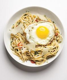 Spaghetti With Herbs, Chilies, and Eggs