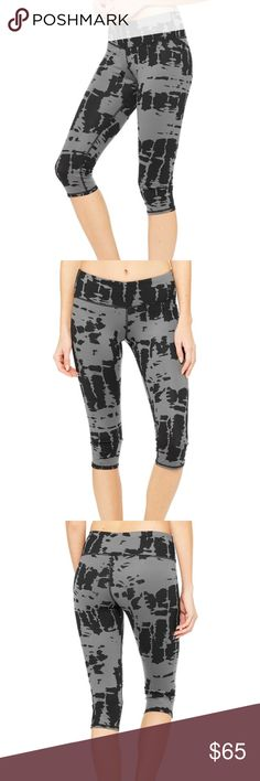 Alo Yoga airbrush Capri leggings tie dye. Alo Yoga airbrush Capri leggings in black and gray tie dye. Great for any work out class. ------- -tummy flattening - smooths everything - pulls in thighs - outer thighs seamless sculpting ALO Yoga Pants Capris