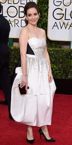 Tina Fey in Antonio Berardi with a Roger Vivier at the Golden Globes 2015 | #redcarpet #GoldenGlobes #redcarpetfashion