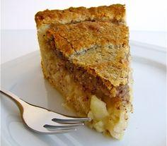 Dessert recipe for Valentine's Day: apple cake recipe. #ValentinesDay