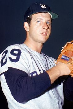 Mickey Lolich -  Detroit Tigers - pitcher