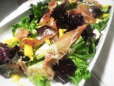 Ponto de Rebuçado Receitas: Salada com feta, pesunto e manga