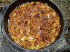 Stuffed Peach French Toast Pudding on Dutch oven Campfire Dutch Oven Recipes, Dutch Oven Camping, Campfire Food, Campfire Desserts, E Cooking, Cast Iron Cooking, Cooking Recipes, Skillet Recipes, Skillet Food